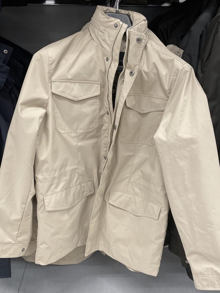 Joensuun vaateliikkeet - Prisman tarjonnassa on mm. London Fog -merkin takkeja.