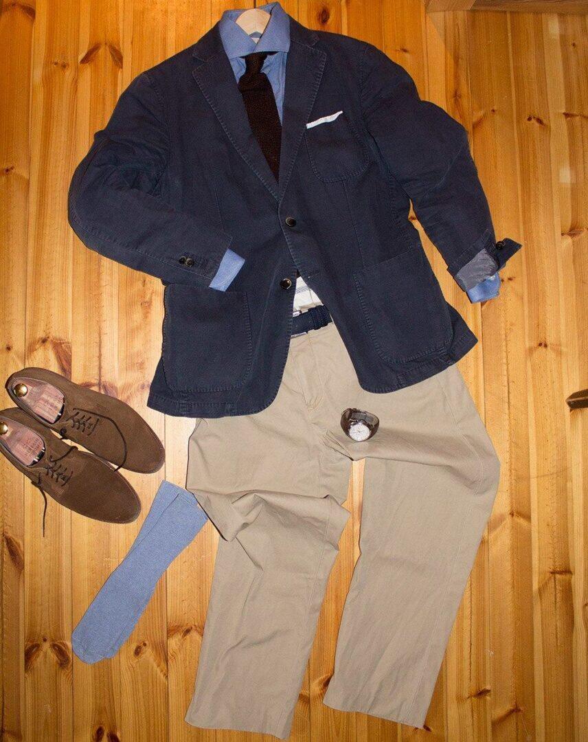 Takki; L.B.M. 1911, paita; Schoffa, taskuliina; vaimo, neulesolmio; Herrainpukimo, housut; Polo Ralph Lauren, vyö; Tommy Hilfiger, sukat; H&M, kengät; Meermin, kello; Tissot