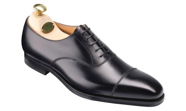 Crockett & Jonesin Hallam-kengät ovat ajattoman tyylikkäät cap-toe oxfordit. Kuva: Crockett & Jones