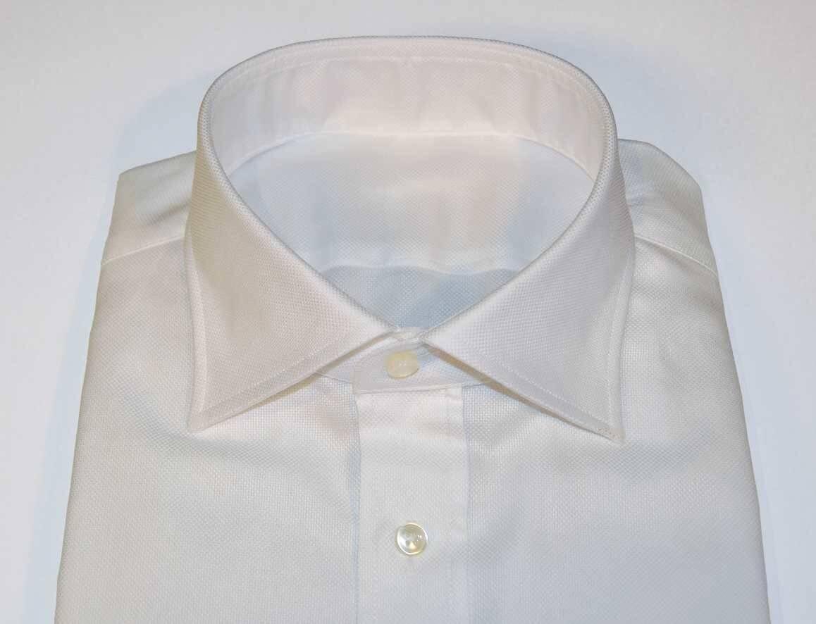Herrainpukimo-paita-whroxkauluskiinni