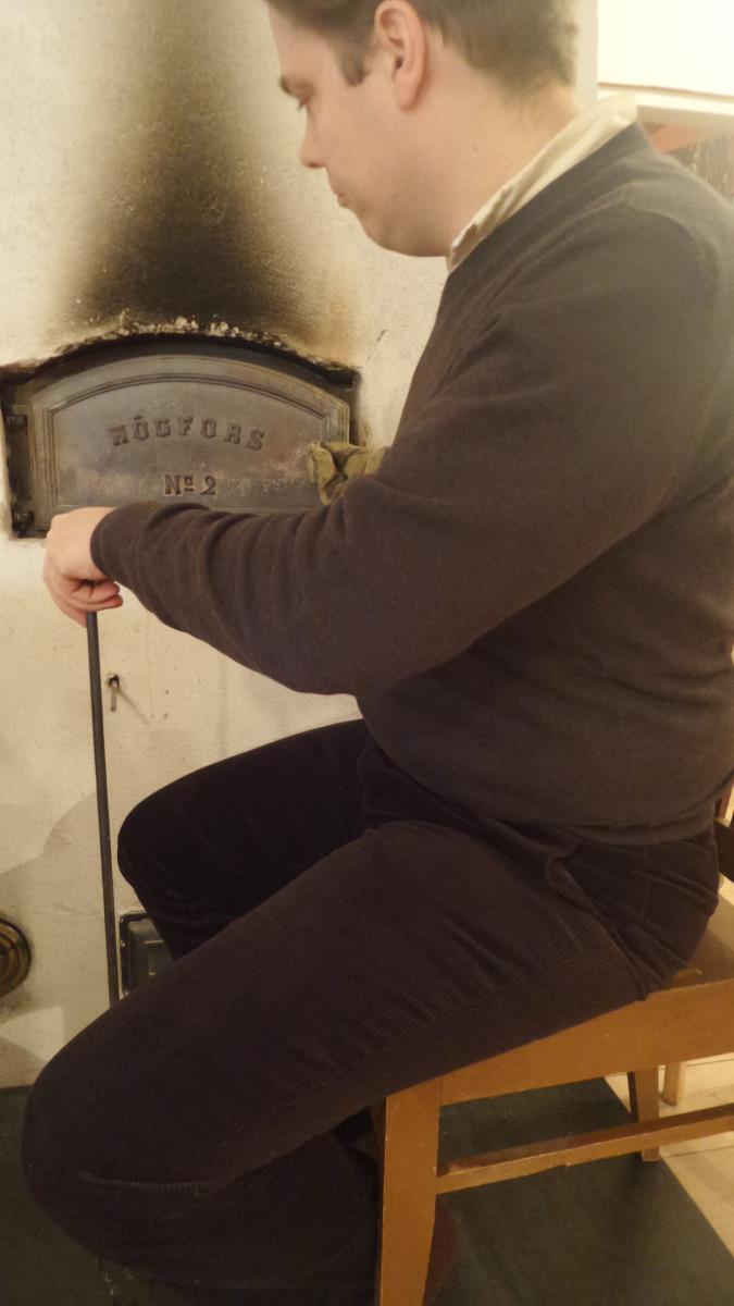Sammarit, neule ja vanhan liiton leivinuuni lämmittävät mukavasti talvipakkasilla.