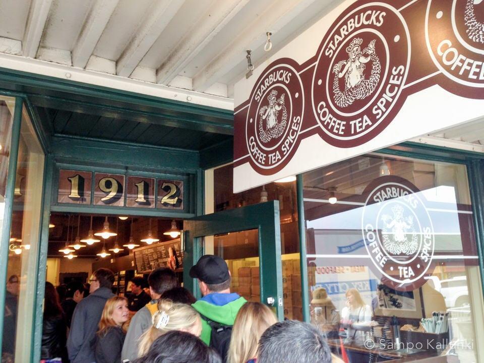 Maailman ensimmäinen Starbucks.