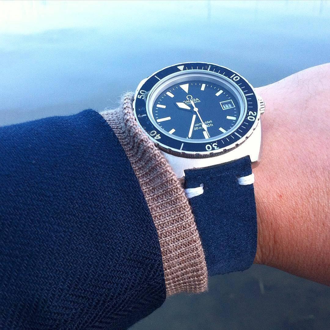 Omega-Seamaster-bluesuede-lake