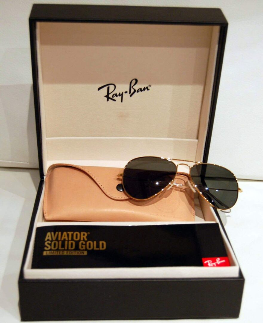 Ray-Ban Aviator Solid Gold -aurinkolasit.