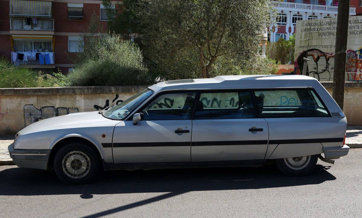 Farmarimalli tarjosi mahtavan tavarankuljetuskapasiteetin. Auto oli tuttu näky 7-paikkaisena suurperhemallina. Ambulanssikäytössä potilaat varmasti arvostivat tasaista ja nopeaa kyytiä. KUVA: Wikimedia commons