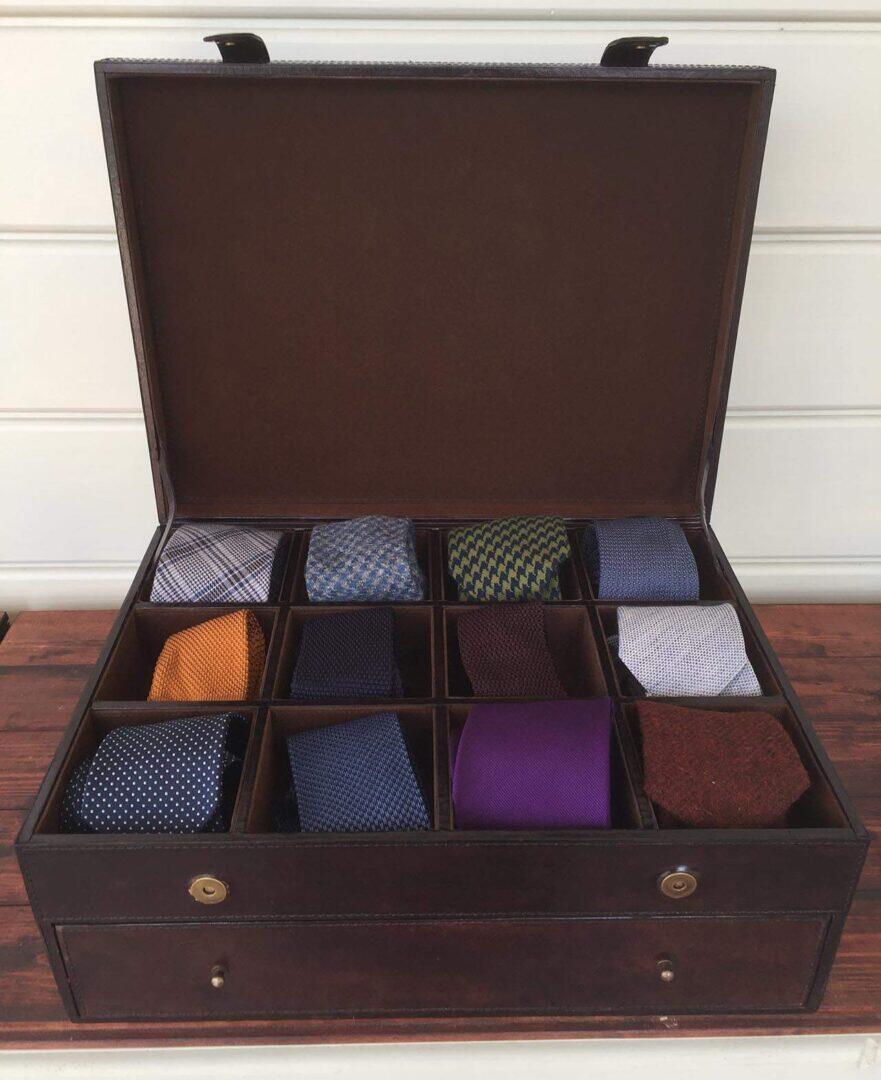Balmuirin Gregor-solmiolaatikko on tyylikäs ja jämäkkä.