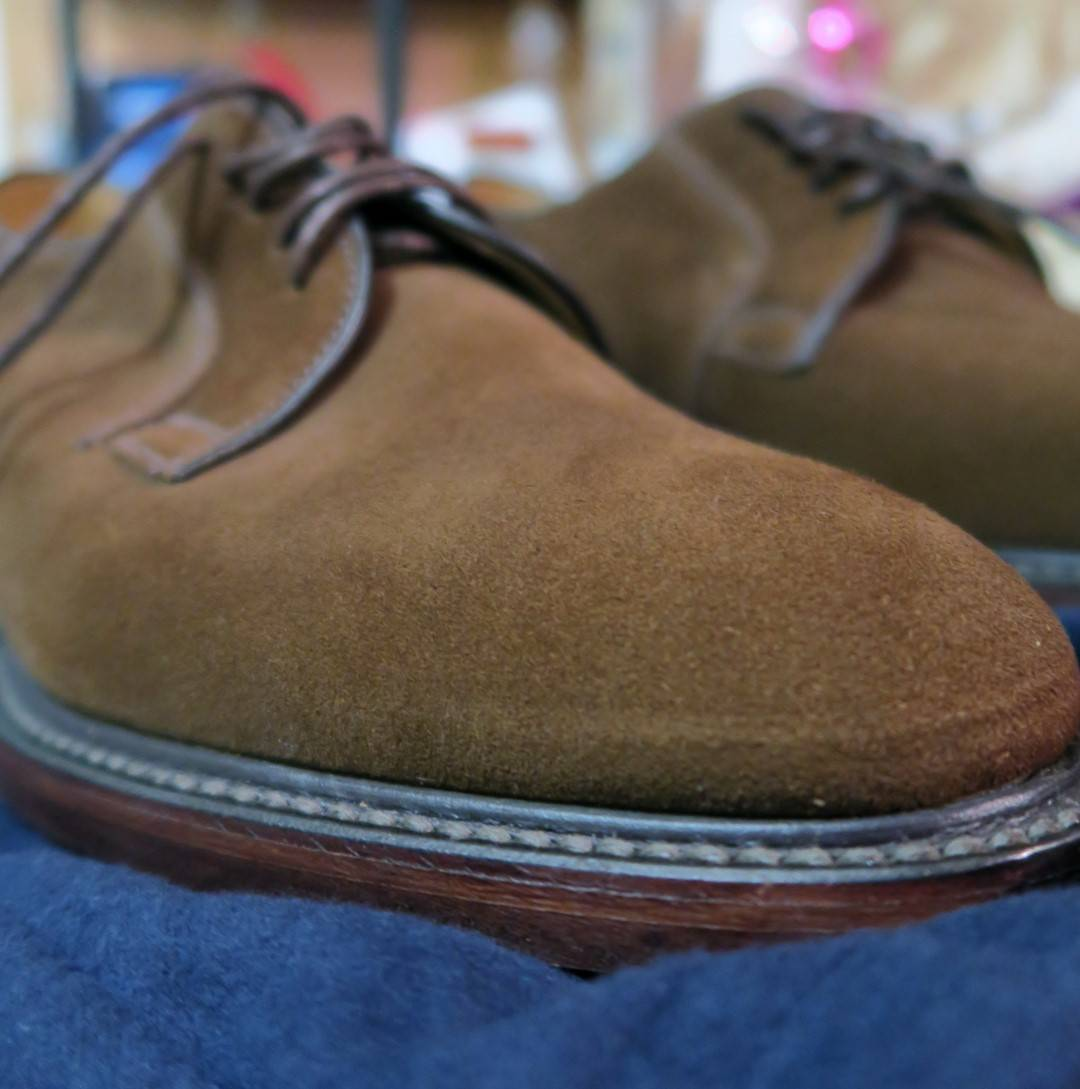 Loake Perth Brown Suede pohjaus