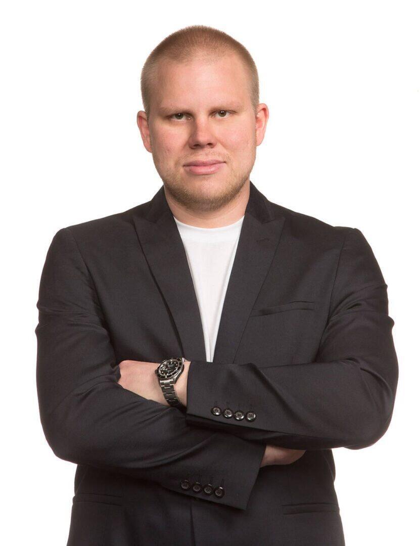 Jesse Haapsaari on Kelloneuvoksen yrittäjä.