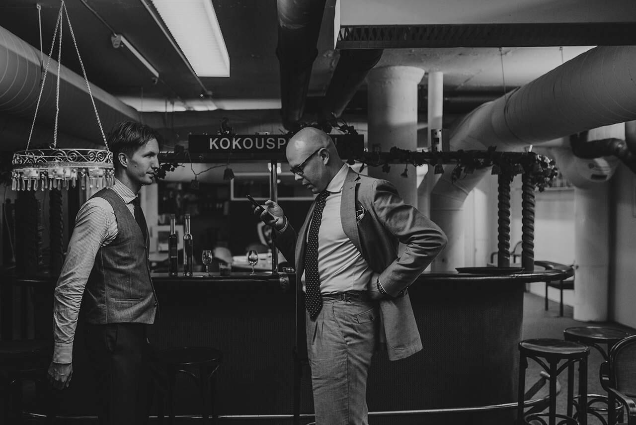 Herrainpukimon Tuukka Simonen ja Jussi Häkkinen vetivät käytännönläheisen tyylikoulutuksen.