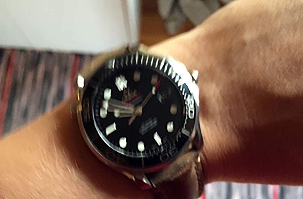 Ostaisitko sinä kellon tämän kuvan perusteella?