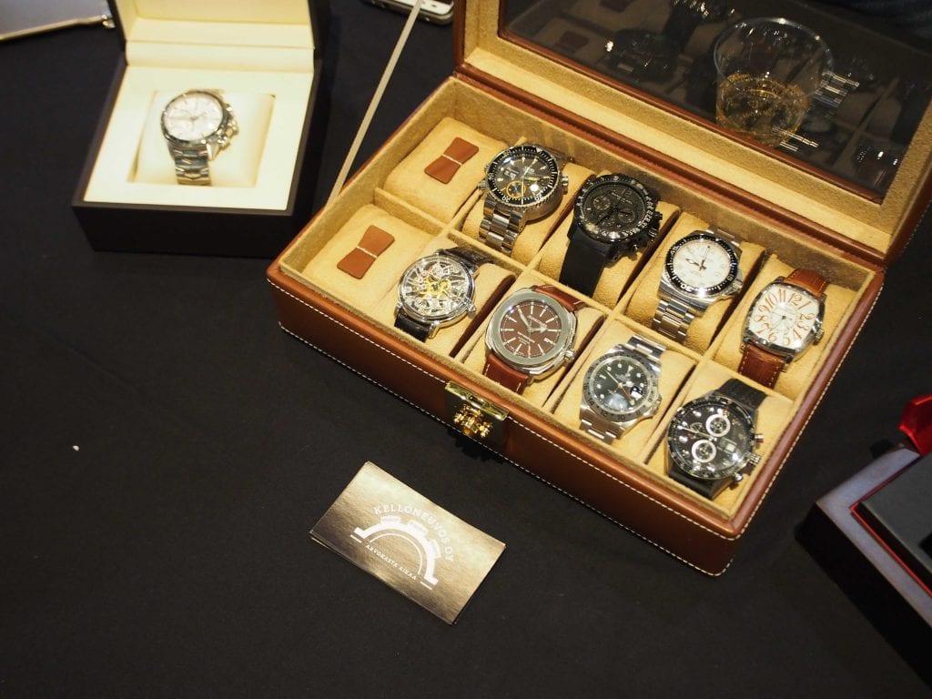 Kelloneuvos on erikoistunut uusiin ja vähän käytettyihin arvokelloihin.