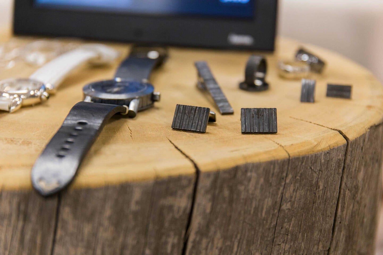 SAVU Design Salosen osastolla oli kelloja ja koruja.