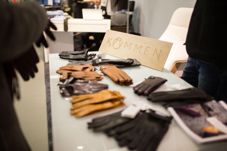 Kämmenen hanskat olivat itseoikeutetusti esillä tapahtumassa.