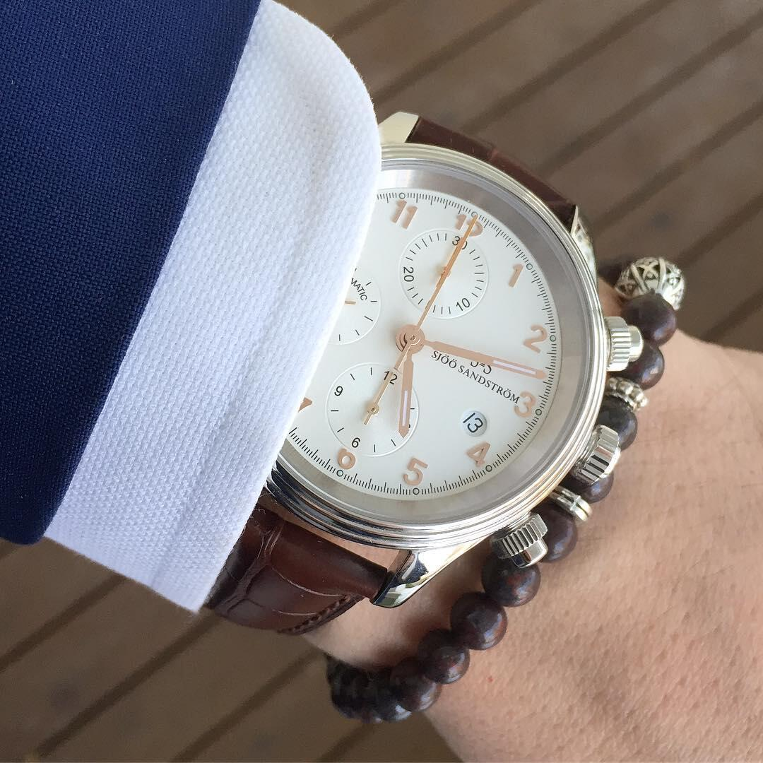 Sjöö Sandström Royal Steel Chronograph on upea pukukello.