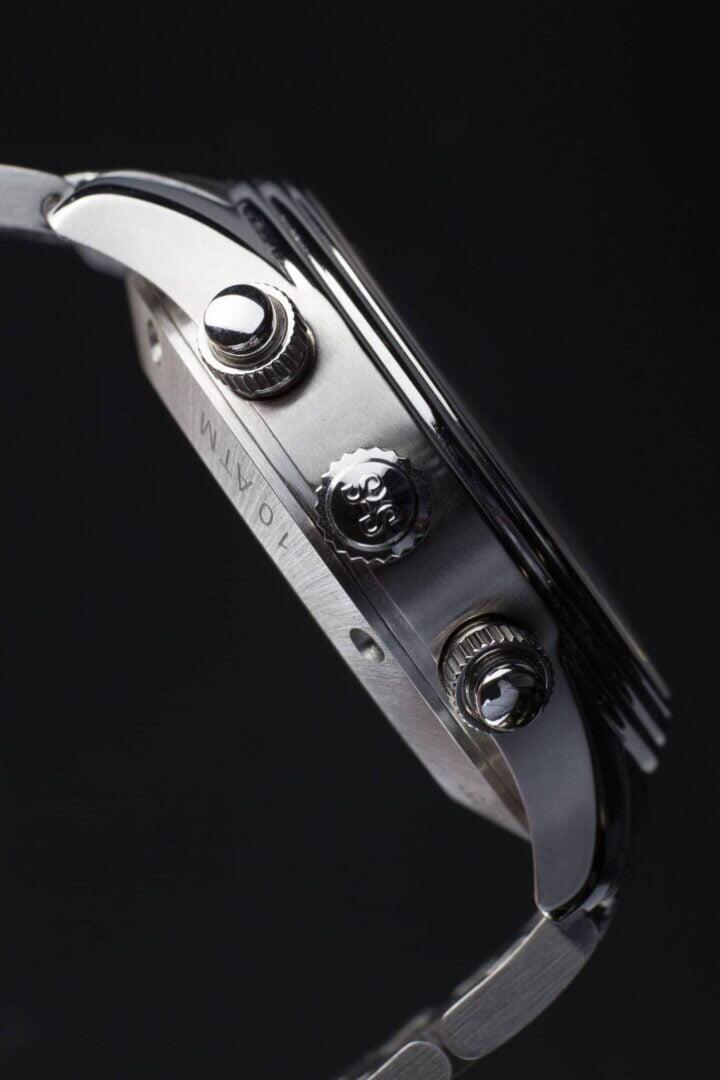 Royal Steel Chronographin muotoilu on kliininen ja tarkoituksenmukainen.