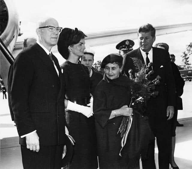 Kekkoset ja Kennedyt Yhdysvalloissa vuonna 1961. Kuva: Wikimedia Commons