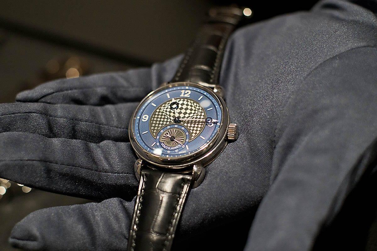 Voutilainen esitteli messuilla myös Vingt8:n uutta kellotaulua.