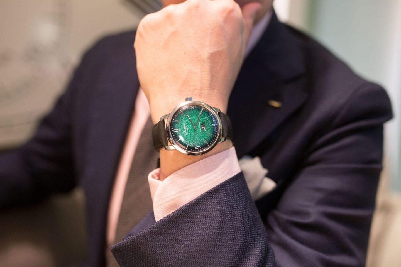 Glashütte Original Sixties Panorama Date julkaistiin tänä vuonna kauniin vihreällä taululla.