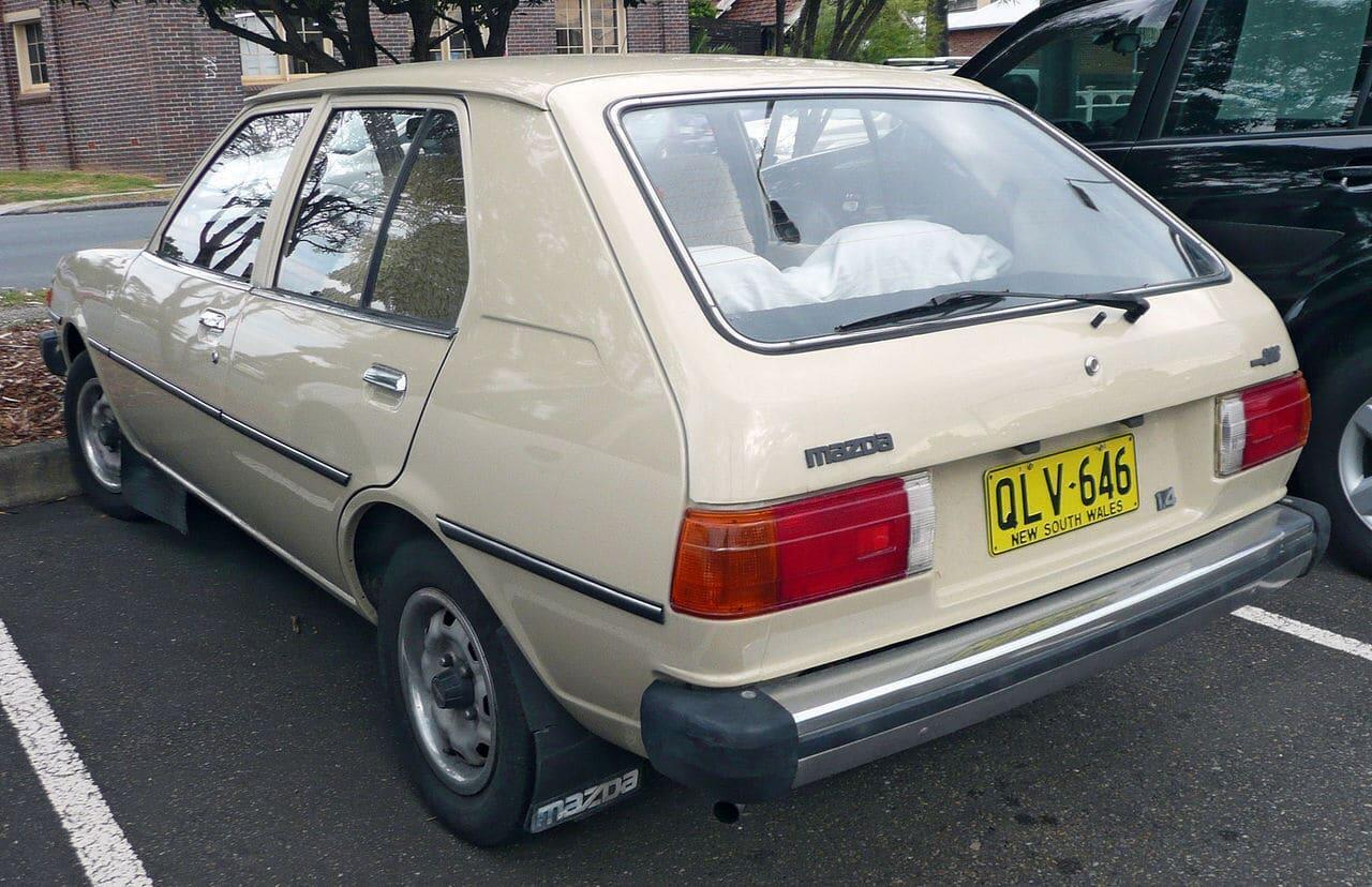Jokamies Mazda 323 5ov