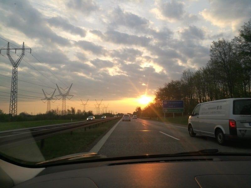 Jokamies-Teslan-osto-Hollannista-Tanska