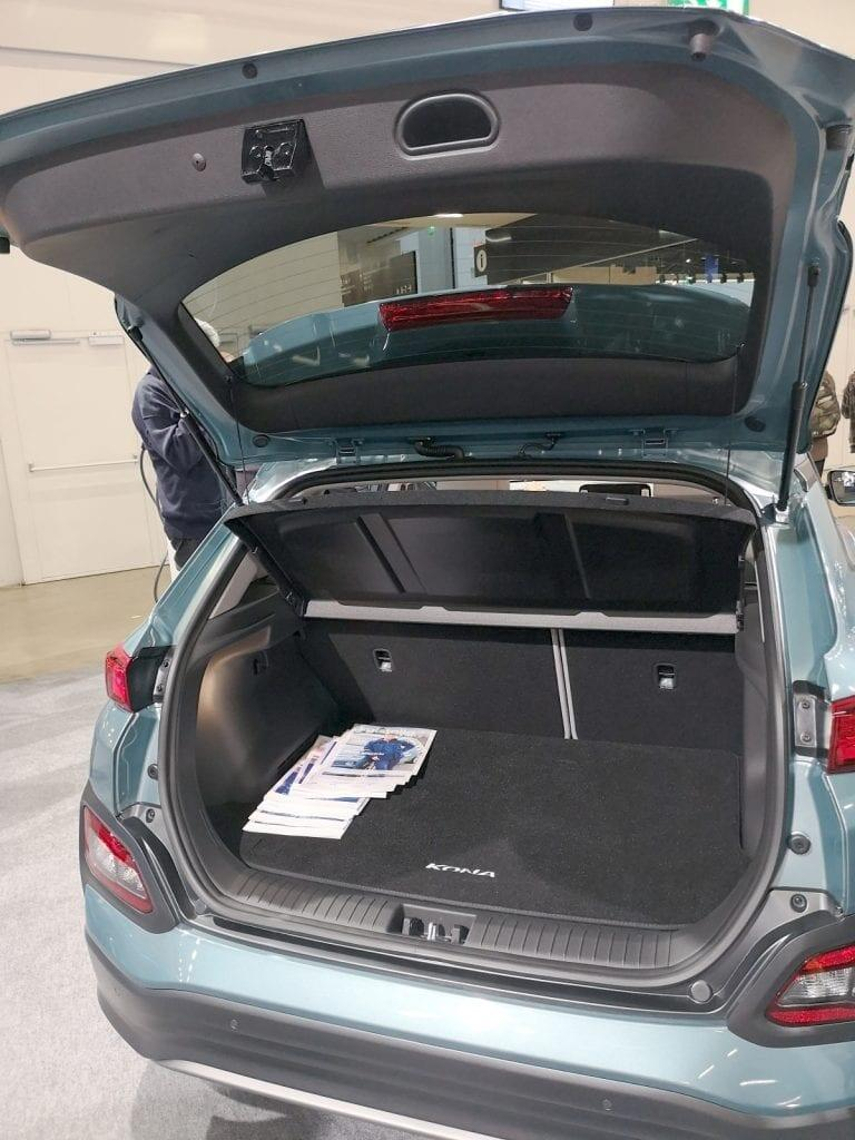Hyundai Kona takakontti