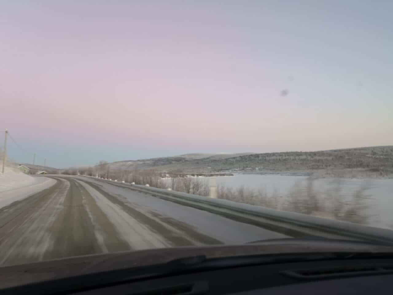 Jokamies - Teslalla talvella Nordkappiin - Jokilaakso