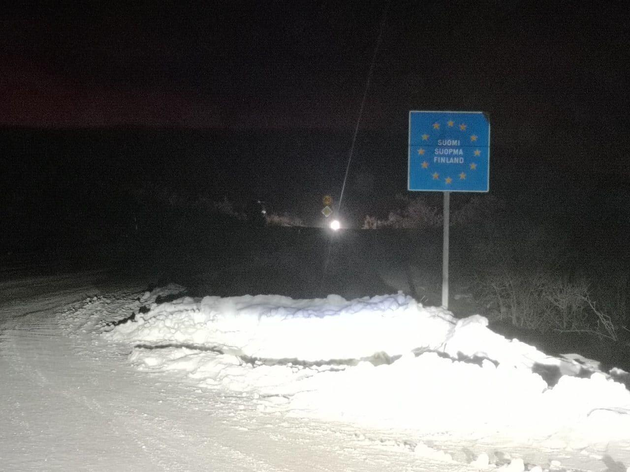 Jokamies-Teslalla-talvella-Nordkappiin-Suomi