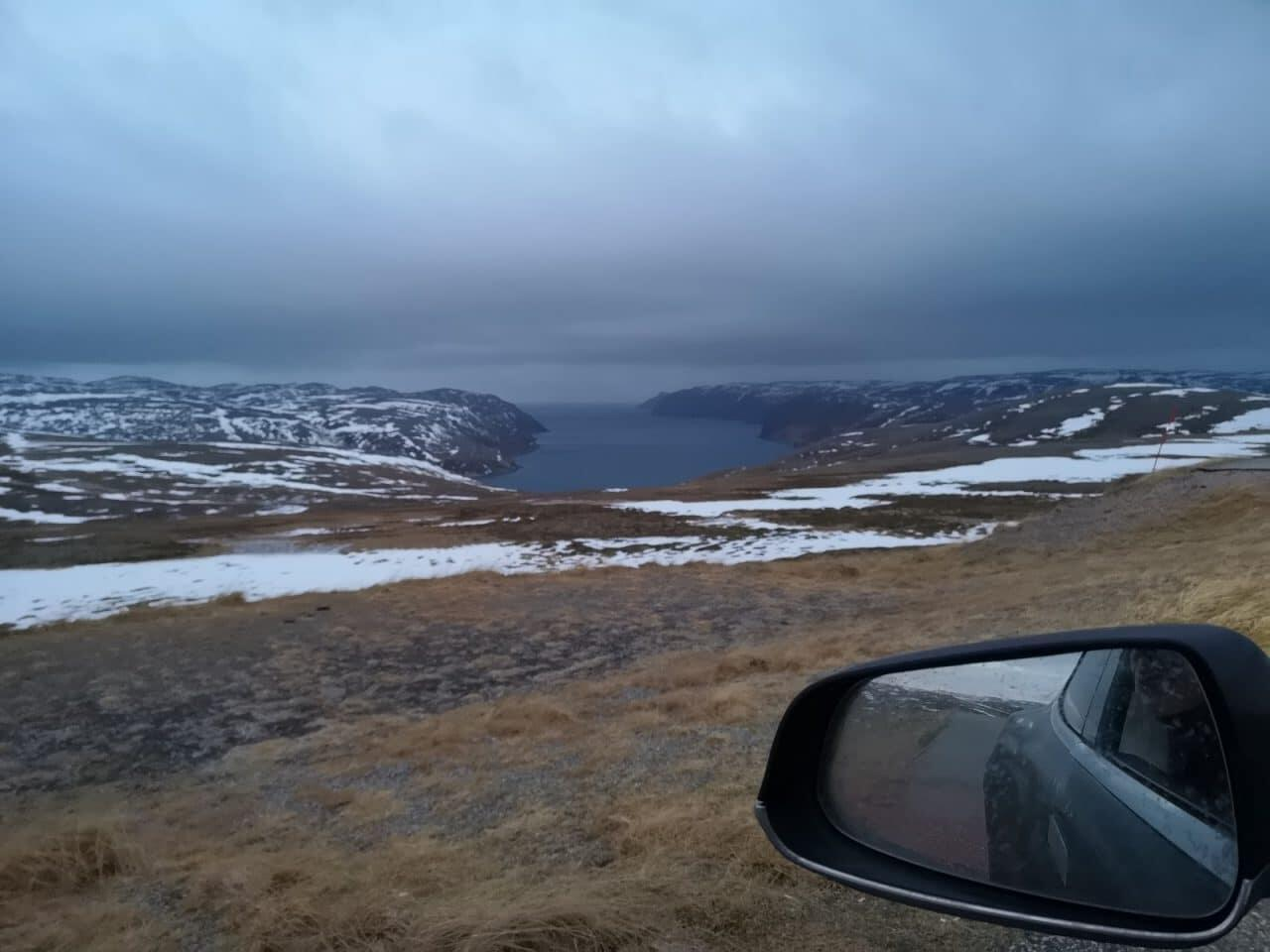 Jokamies-Teslalla-talvella-Nordkappiin-vuono