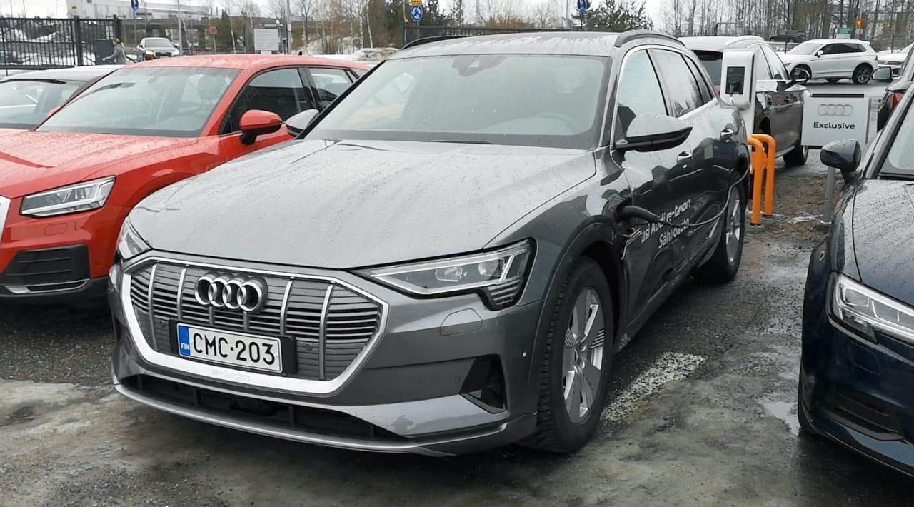 Jokamies Audi E-tron koeajo