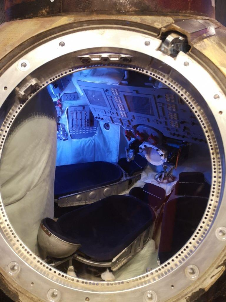 Jokamies-Enterprise-Sojuz-kapseli
