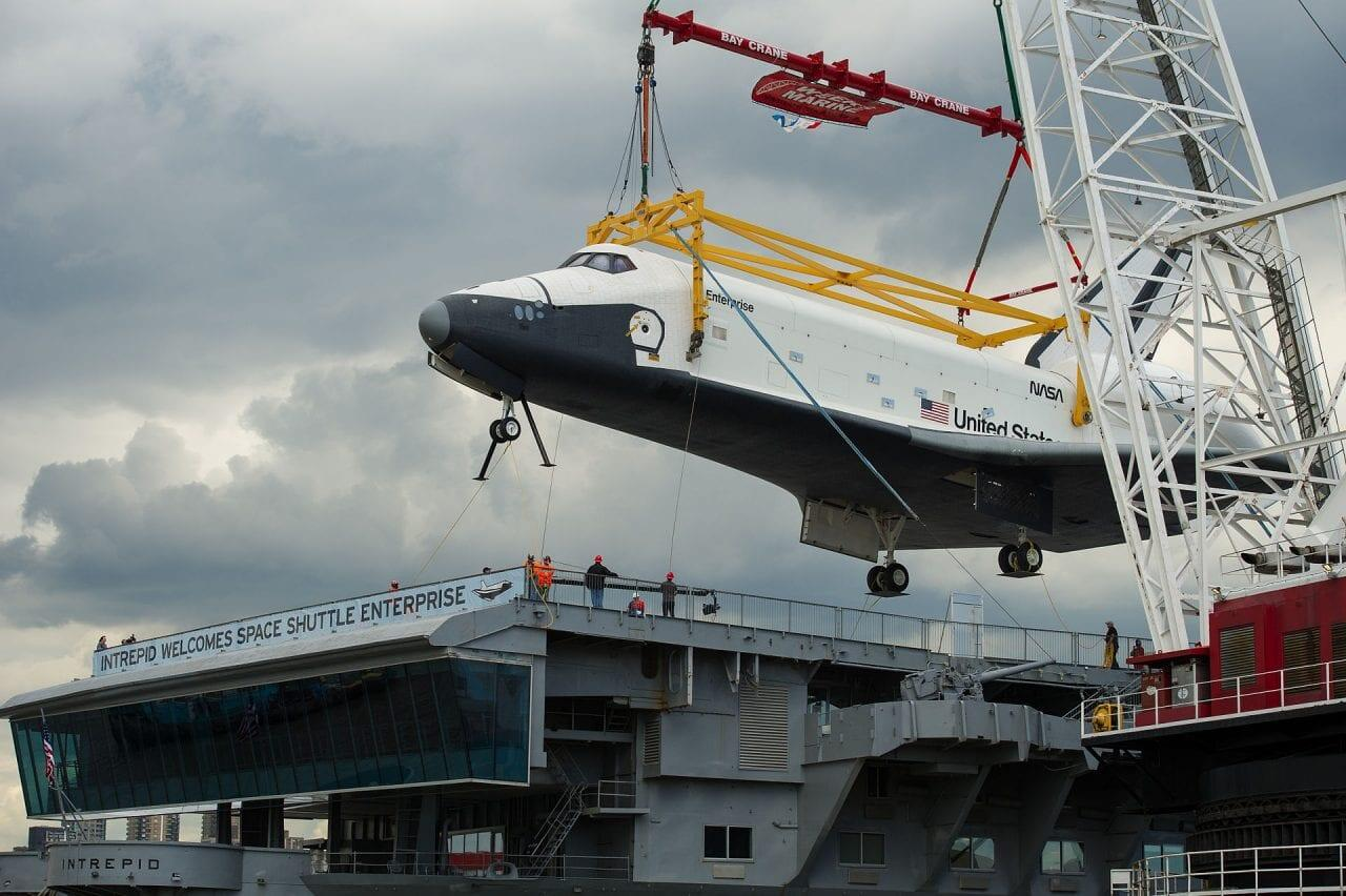 Space_Shuttle_Enterprise_delivered_to_the_Intrepid_Museum