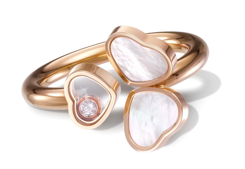 """Chopard Happy Hearts Wings -malliston sormus, jossa on yksi """"Happy diamond""""."""