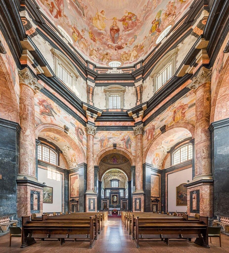 Pažaislis_Monastery_interior_1,_Kaunas,_Lithuania_-_Diliff