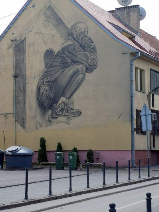 Jokamies-Sähköautomatkalla-Baltiassa-Kaunas-katutaidetta