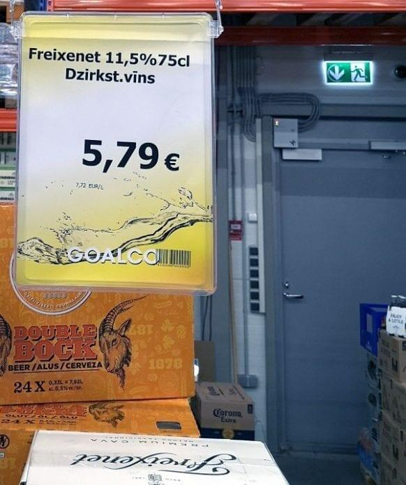 Jokamies-Sähköautomatkalla-Baltiassa-Viiniostoksilla