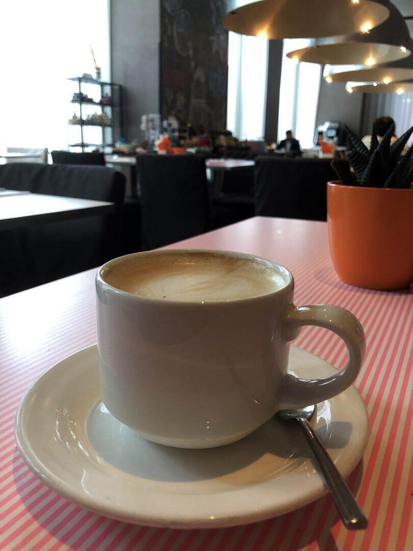 nhow Milano on persoonallinen boutique-tyyppinen hotelli, jota muotialan ammattilaiset suosivat. Hotellin aamupala on myös erinomainen.