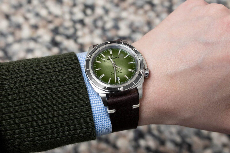 Anonimo Nautilo Vintage Tyyliniekka Edition -kello istuu ranteeseen hienosti.