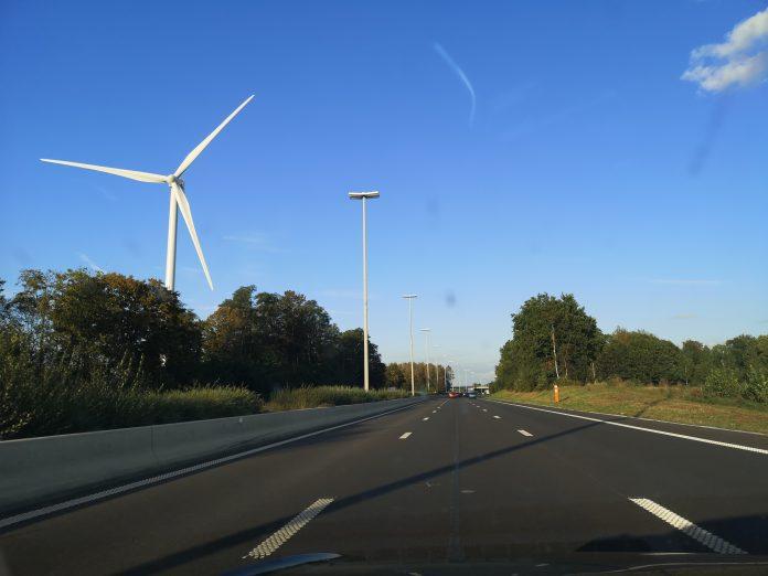 Jokamies - Teslalla Madridiin #11 - Tuulivoimala