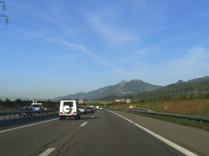 Jokamies - Teslalla Madridiin #5 - Svetisin moottoritie