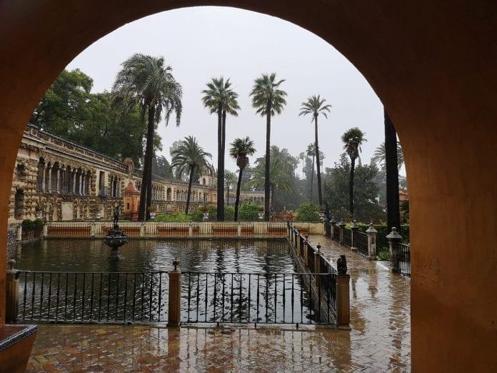 Jokamies - Costa Del Sol Autolla - Sevilla - Alcazar puutarha