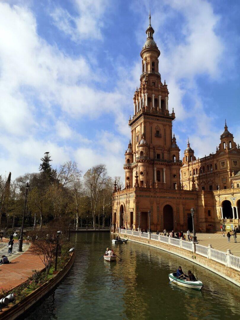 Jokamies - Costa Del Sol Autolla - Sevilla - Plaza Del Espana veneet