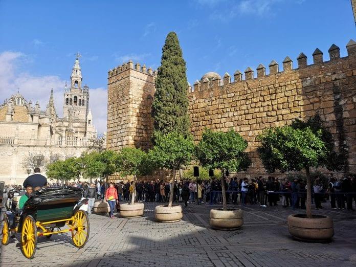 Jokamies - Costa Del Sol Autolla - Sevilla - Plaza Del Triumfo