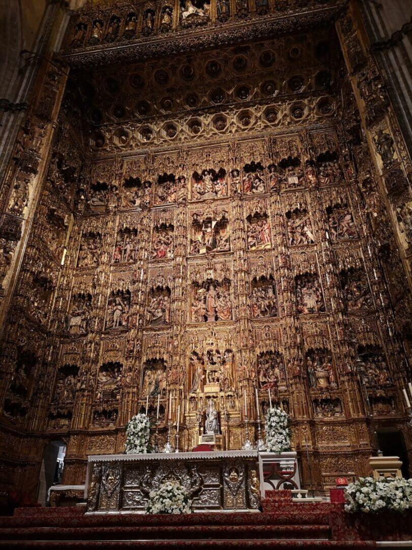 Jokamies - Costa Del Sol Autolla - Sevilla - Sevillan Katedraalin alttari