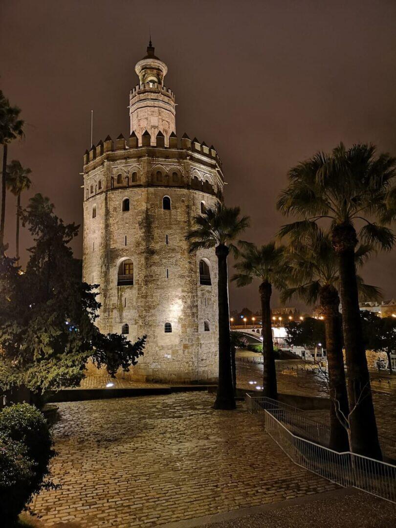 Jokamies - Costa Del Sol Autolla - Sevilla - Torre Del Oro