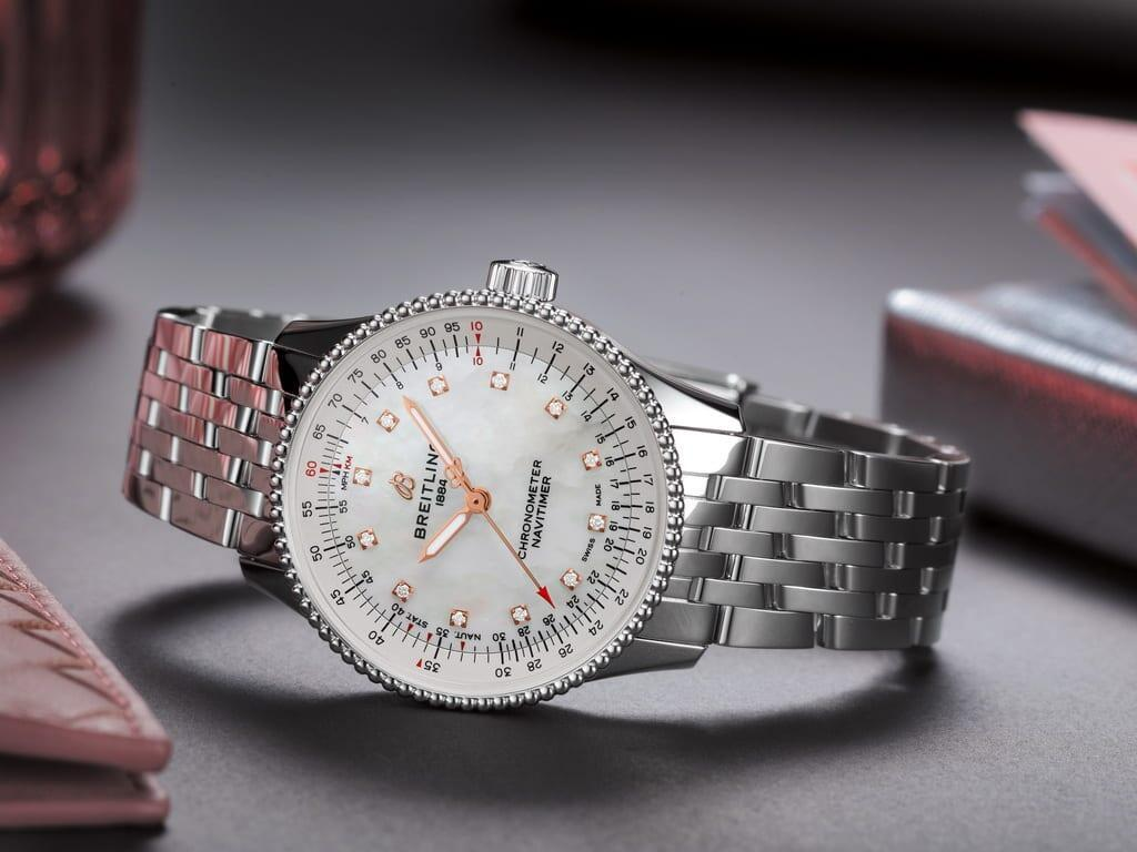 Breitling Navitimer Automatic 35 mother-of-pearl