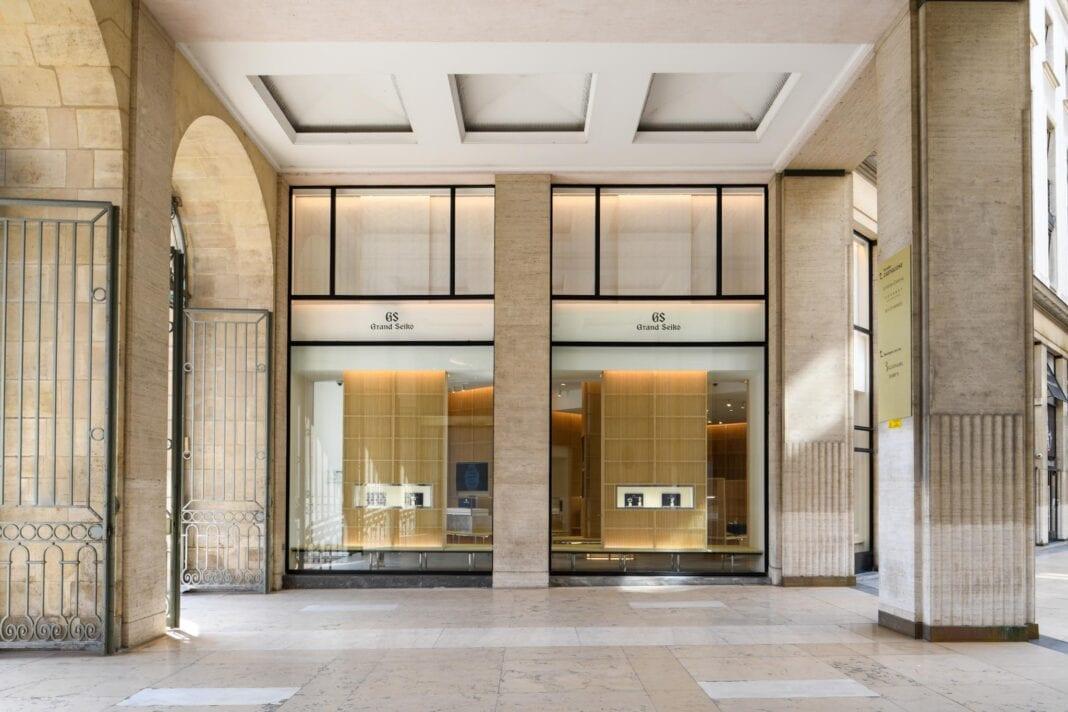 Grand Seikon Pariisin myymälä sijaitsee Place Vendômen aukiolla.