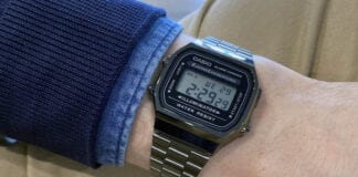 Casio Vintage -digitaalikello ranteessa.