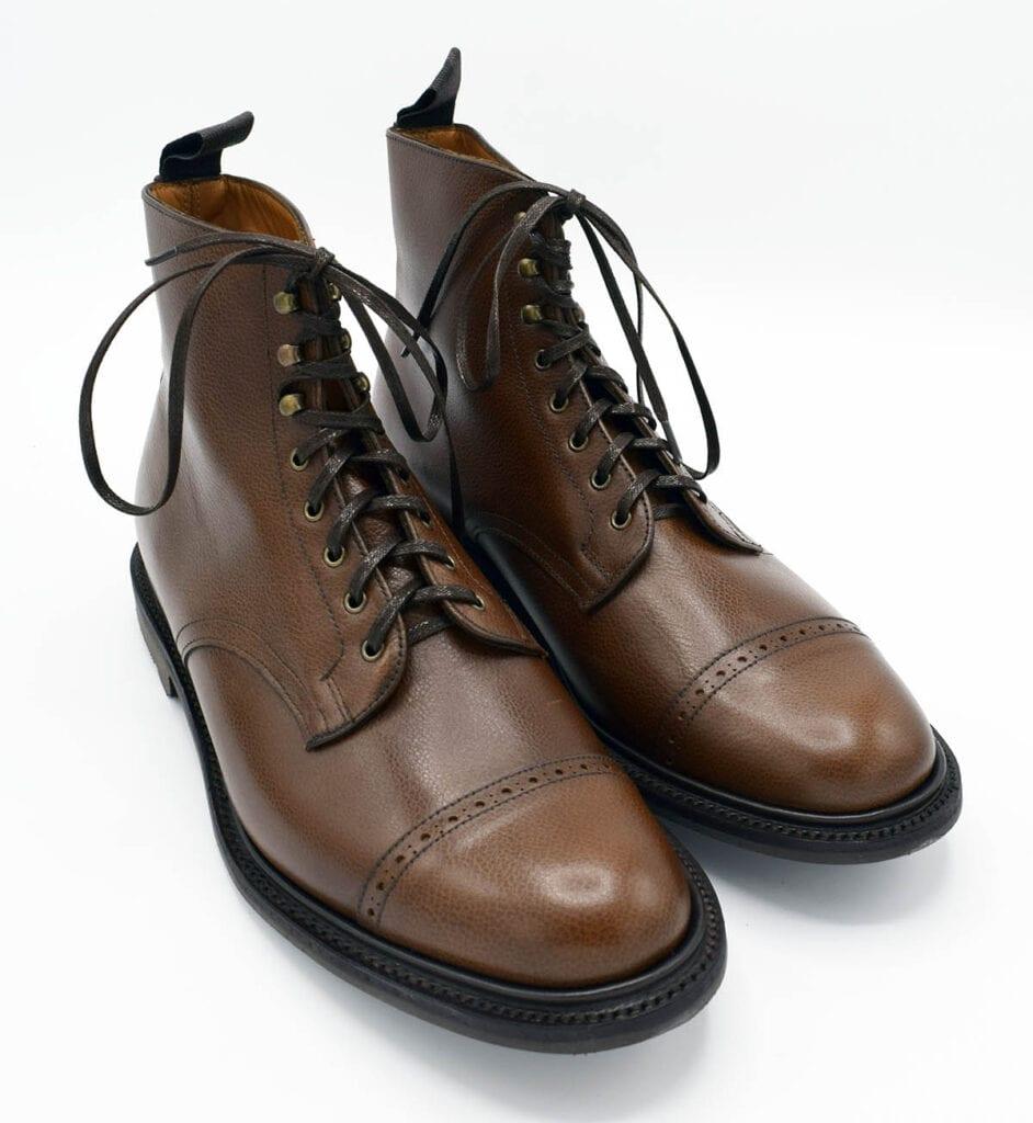 Sanders Tampere -kengät ruskeana.