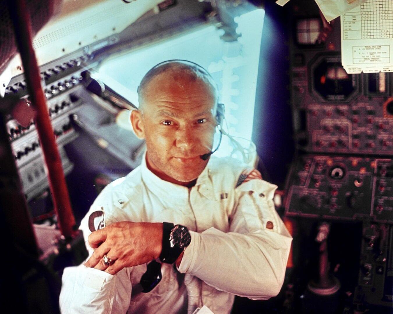 Buzz Aldrin 20. heinäkuuta Apollo 11 -lennon kuumoduulissa. Kuvan otti Neil Armstrong. Kuva: NASA
